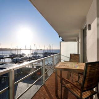 """Apartmenthaus Hafenspitze Ap. 12 - """"Silbermöwe I"""" - Blickrichtung Yacht- und Binnenhafen/offenes Meer - Eckernförde"""