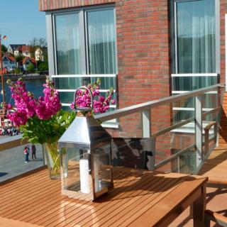 """Apartmenthaus Hafenspitze,  Ap. 29 """"Heimathafen 29"""", Blickrichtung Innenstadt/Binnenhafen - Eckernförde"""