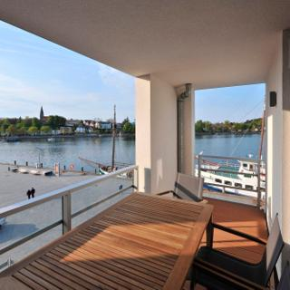 """Apartmenthaus Hafenspitze  Ap. 31 """"Ankerplatz 31"""" Blickrichtung Binnenhafen West/Innenstadt/Seitlicher Meerblick - Eckernförde"""