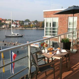 Apartmenthaus Hafenspitze Ap. 38, Blickrichtung Innenstadt/Binnenhafen - Eckernförde