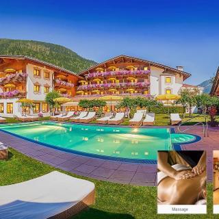 Alpenhotel Tirolerhof - Familienzimmer KAT B, Dusche oder Bad, WC - Alpenhotel Tirolerhof - Familienzimmer KAT B, Dusche oder Bad, WC