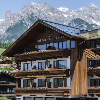 Hotel Gasthof Niederreiter - Bergpanorama Familie HP Winter - Hotel Gasthof Niederreiter - Bergpanorama Familie HP Winter
