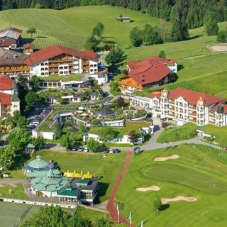 Hotel Peternhof - Familie Mühlberger - Suite Bergzauber im Romantikschlössl - Hotel Peternhof - Familie Mühlberger - Suite Bergzauber im Romantikschlössl