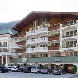 """Alpenhotel Kindl - Doppelzimmer """"DeLuxe Zimmer Elfer"""" - Alpenhotel Kindl - Doppelzimmer """"DeLuxe Zimmer Elfer"""""""