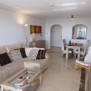 Apartment mit Meerblick im Golfclub Los Arqueros - Benahavís