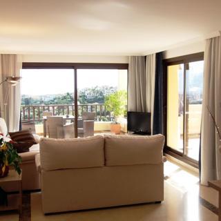 Penthouse Apartment / Meerblickim Golf Club Los Arqueros - Benahavís