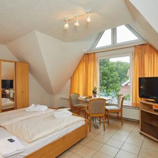 """Doppelzimmer im Gästehaus """"Unter den Linden"""" - Mühbrook"""