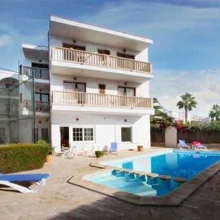 Familien Apartment für 6 Personen, Balkon, Pool, WLAN, Küche, 200m zum Meer - Cala Figuera