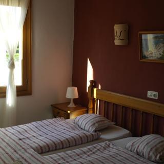 Familien Apartment für 4 Pers., Balkon, WLAN, Küche, Pool, 180m zum Meer - Cala Figuera