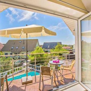 Villa Europa - Wohnungen mit Kamin und gemeinsamen Pool - Wohnung Typ 3 mit Balkon - Heringsdorf
