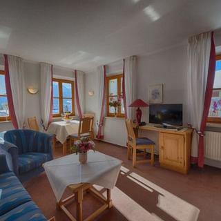 Aparthotel Fackler - Baumgarten mit Balkon - Tegernsee