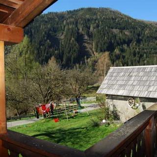 Bauernhof Hatzlhof - Ferienwohnung mit Balkon - Schöder