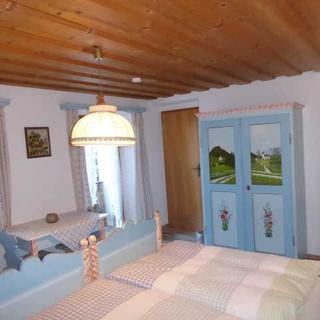 Haus Bamberger - Doppelzimmer 1 - Fischbachau