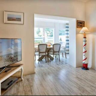 Sellin  Luxusferienwohnung Nilles Huuske RZV - 4-Zimmer-Wohnung im EG, Terrasse, Garten - Sellin