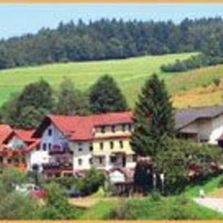 """BE-Hotel-Gasthof """"Zur Krone"""" - Hotel-Gasthof """"Zur Krone"""" Dreibettzimmer - Oberzent-Gammelsbach"""