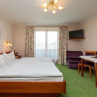 Pension ANNA, Ferienwohnungen & Komfortzimmer - Doppelzimmer - St. Lorenz am Mondsee