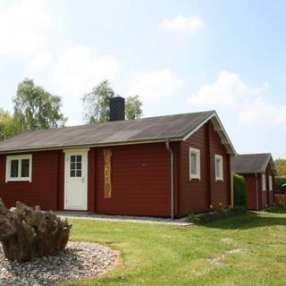 """Landhaus San-Mar mit Fewo und Blockhäusern nahe Kühlungsborn - 3-Raum-Blockhaus """"Mar"""" mit Kamin (49m², 4 Pers., tierfrei) - Gersdorf"""