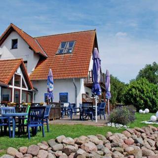 DEB 011 Pension - direkt am Wasse mit Bootsverleih und Sauna - 3 - Raum - Ferienwohnung - Wittower Fähre