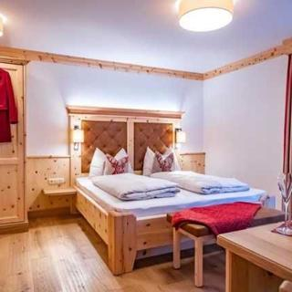 Landgasthof Leopoldhof - Landhaus Premuim-Doppelzimmer - St. Wolfgang im Salzkammergut