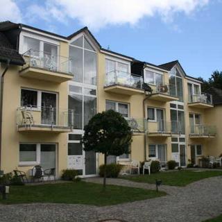 H: Appartementanlage Eldena Whg. 16 mit Terrasse & Balkon - Ferienwohnung Eldena Nr. 16 mit Terrasse & Balkon - Lobbe