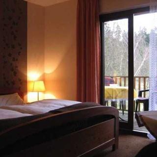 Haus am Wald - Doppelzimmer mit Balkon - Lichtenfels-Neukirchen