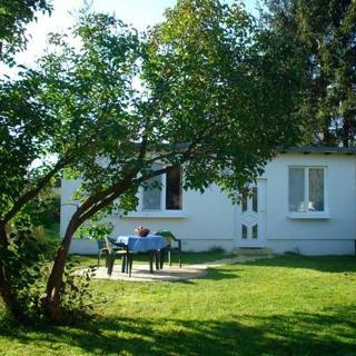 kleines Ferienhaus auf dem Lande mit Fahrrädern und WLAN - Bungalow  Heinrich - Mönkebude