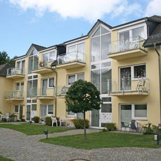 H: Appartementanlage Eldena Whg. 04 - ca. 100m zum Strand - Ferienwohnung Eldena Nr. 04 mit 2 Balkone und Terrasse - Lobbe