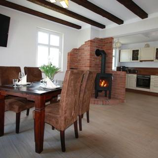 NEU: Ferienhaus mit Kamin, 2 Bäder, 2 SZ - am Wasser - Landferienhaus - Glowe