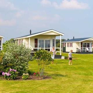 Ostsee-Chaletpark - Hotel-Chalet - Bliesdorf