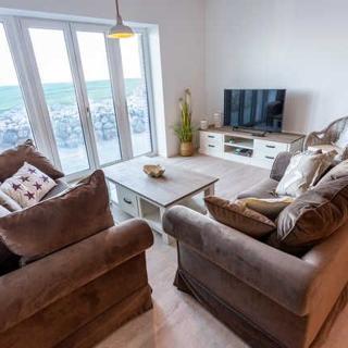 Komfort-Ferienwohnung Wellenbrecher - Meerblick-Wohnzimmer-Terrasse-Küche-3 Schlafzimmer-2 Bäder - Kappeln-Olpenitz