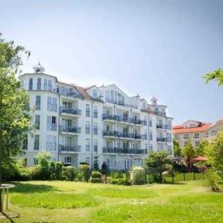 """Appartementhaus """"Atlantik"""" - (407) 3- Raum- Appartement - direkter Seeblick - Kühlungsborn"""