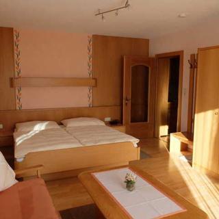 Gästehaus Nocker - Appartement 4 (Gr. Einraumappartement mit Balkon) - Seefeld