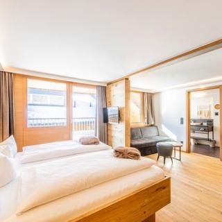 Alpen Hotel Post**** - Familiennest Celine - Au