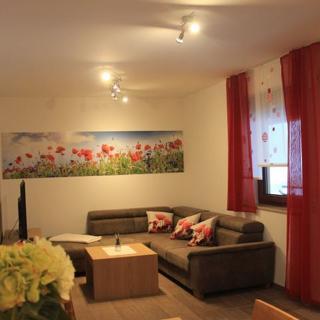 Preuschens Hof - Ferienwohnung Blumenwiese - Egloffstein