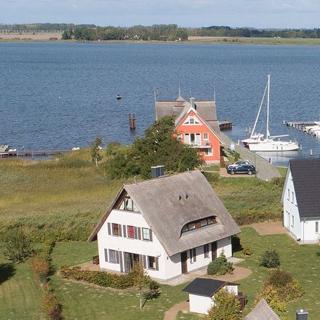 Ferienhaus Boddenblick und Kranich - Haus Boddenblick - linke Seite - Neuenkirchen