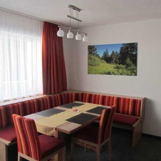 APPARTEMENTS KRONER - Deluxe 3-Sterne-Appartement mit Balkon - Nauders am Reschenpass