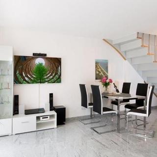 """Strandresidenz-Appartement """"Graugans"""" A06 in Prora - Appartement """"A06"""" 96 m² bis 6  Erw. + 1 Kleinkind (bis 3 J.) - Prora"""