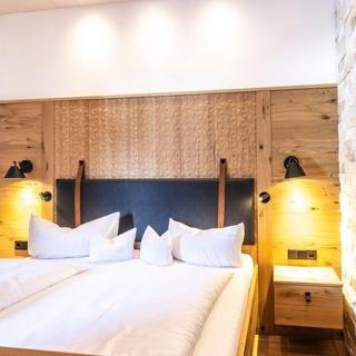 Alpen Hotel Post**** - Doppelzimmer mit Balkon - Au