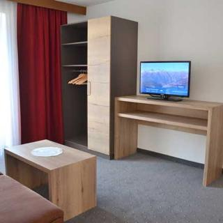 APPARTEMENTS KRONER - Comfort Appartement mit Balkon - Nauders am Reschenpass