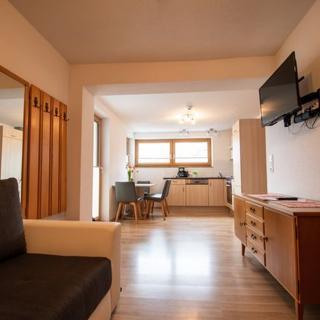 Haus Raggl - Ferienwohnung 2-4 Personen - Landeck