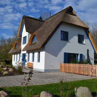 """L7 Ferienhaus """"Strandhafer"""" Ostseebad Rerik - XL - 4-Raum-Ferienhaus (max. 5 Personen) - rechts - Rerik"""