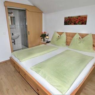 Gästehaus Sonnenheim - Doppelzimmer mit Dusche und WC - Thaur