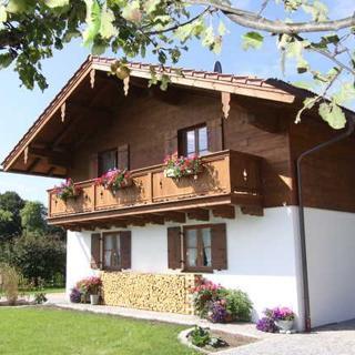 """Landhaus Thaler - Ferienwohnung 3 """"Gartenzauber"""" - Gmund"""
