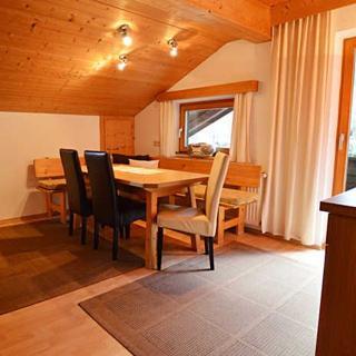 Aktiv-Ferienwohnungen Pienz mit eigenem Reiterhof - Ferienwohnung Kat 4 - Sautens