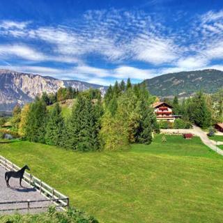 Aktiv-Ferienwohnungen Pienz mit eigenem Reiterhof - Landhaus Anna - Sautens