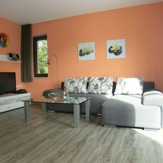 Kleeblatthaus Putbus/Rügen- 3 komfortable Ferienwohnungen - Kleeblatt Wohnung Orange - Putbus