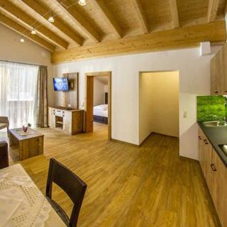 Appartments und Pension Mariandl - Ferienwohnung Schwandschrofen - Nesselwängle