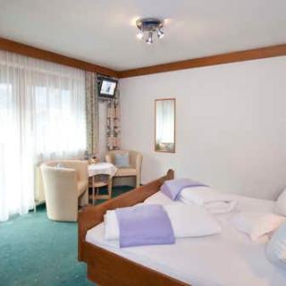 Haus Marianne - Doppelzimmer - Prutz-Faggen