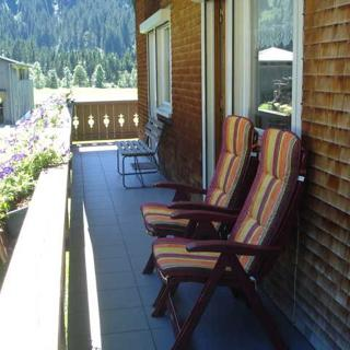 Haus Brunhilde - Doppelzimmer 1 mit Balkon - Schoppernau