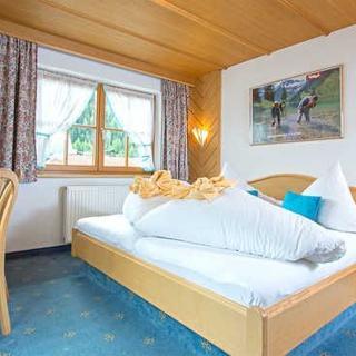 Activ Apart Pension Bergfrieden - Doppelzimmer - Nauders am Reschenpass